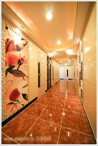 Apgujeong Noble Residence