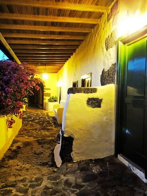 Finca Fajardo-Casa Moscatel-Entrada Habitaciones