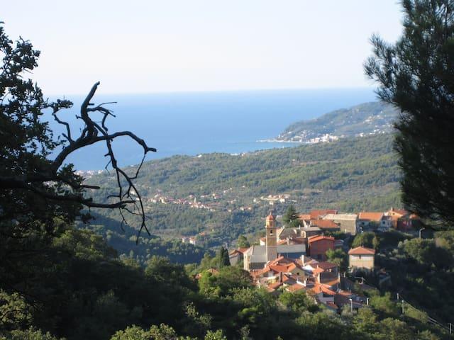 Schönes Haus an der Riviera - Tovo Faraldi - Ev