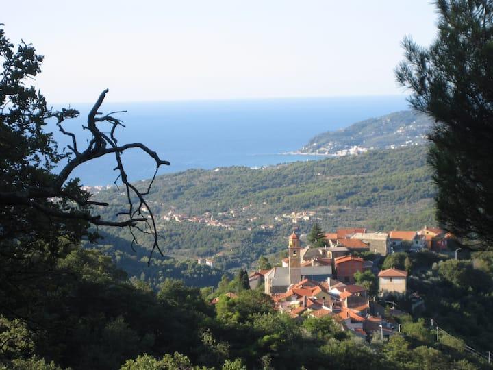 Schönes Haus an der Riviera