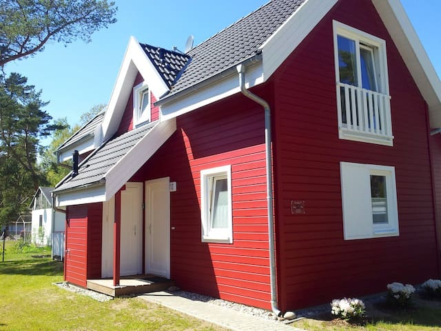 Strandnahes exklusives Ferienhaus  - Glowe - House
