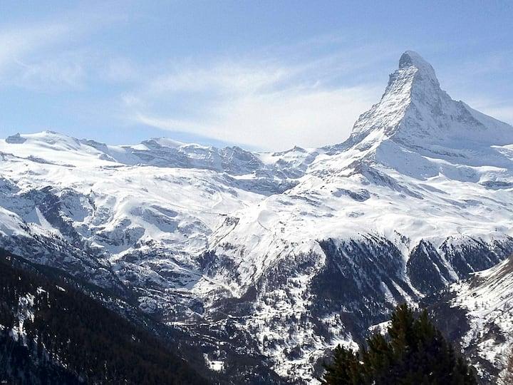 Cozy studio, near Valleystation Matterhorn