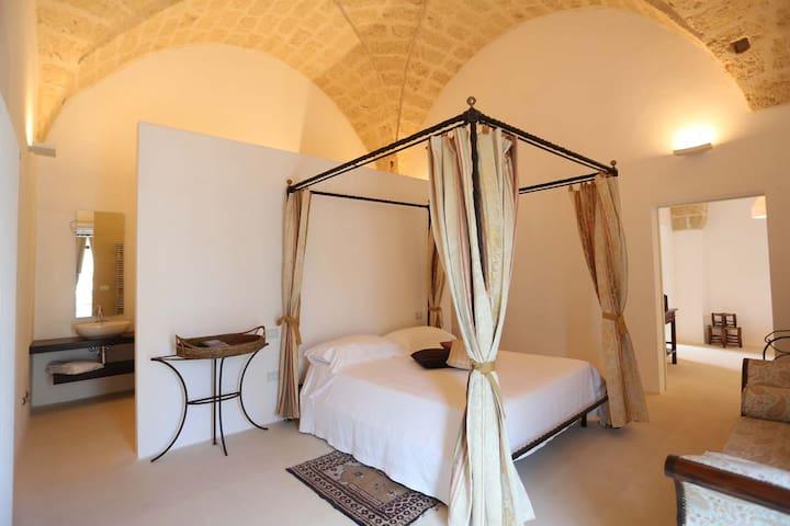 Charming House in the storic center of Specchia - Specchia - Leilighet