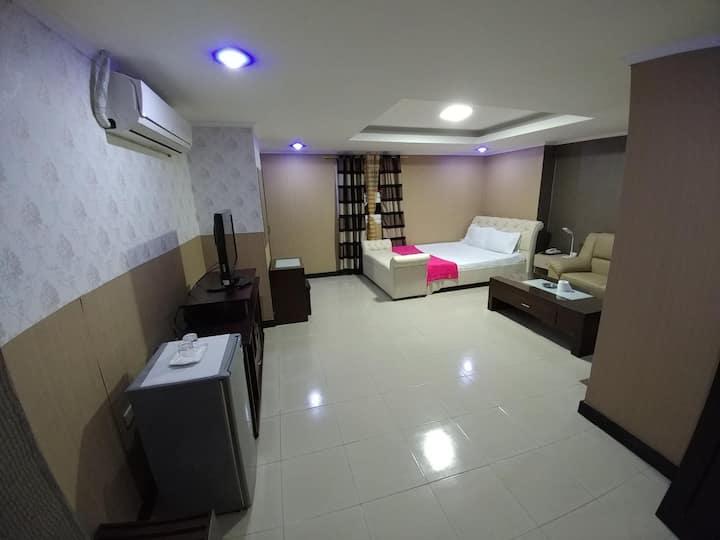 PJ INN HOTEL (Junior Suite)