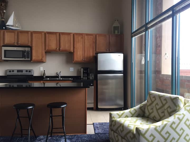 Downtown Sandusky Condo, short & long term rental