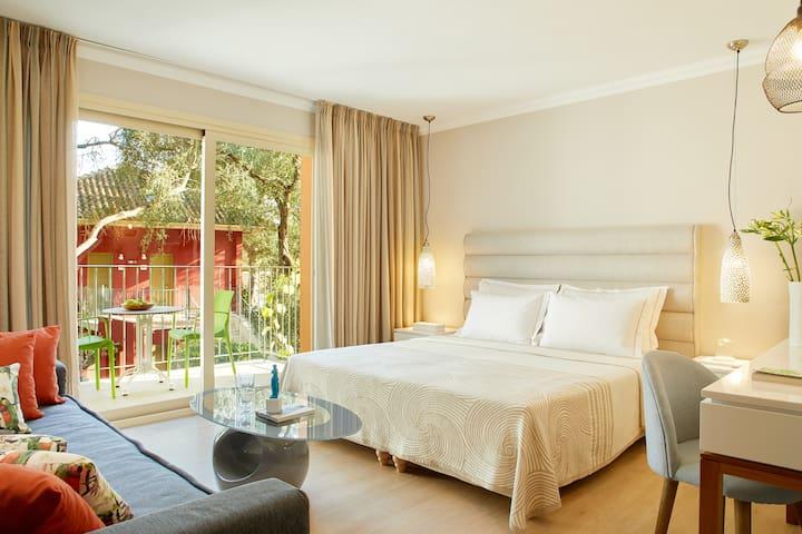Deluxe Room by Parga Beach Resort