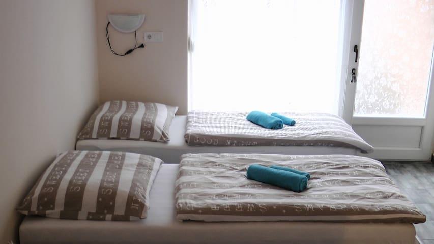 New, comfortable beds Új , kényelmes ágyak