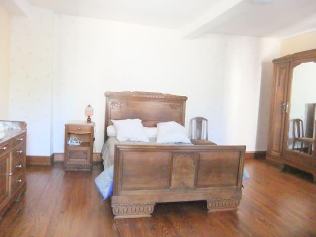 chambre 4 avec lit de 140