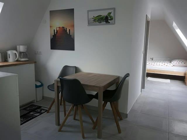 Gemütliche DG-Wohnung - Herford - Lägenhet