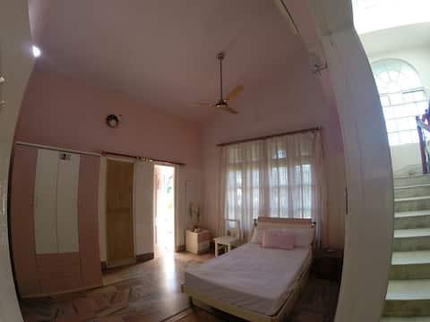 Pink Mellow - Premier AC Room