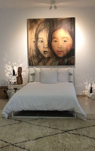 Private and cosy room in villa at Jumeirah one - 두바이(Dubai)