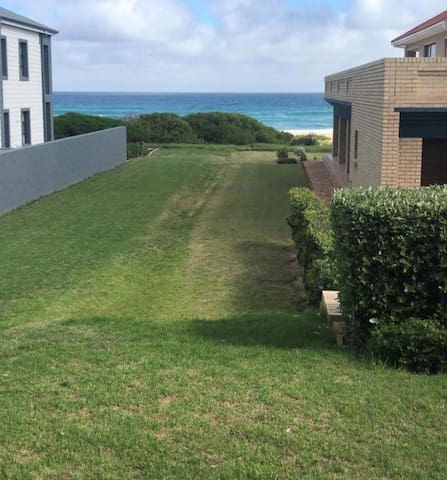Dolphin View - 2 Bed 1 Bath direct access to beach
