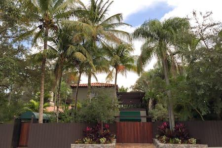 Casa ⚘ Della - Miami