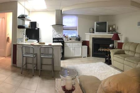 """A Cozy Nook"" is The Cottages, newest rental. - Bryson City - Otros"
