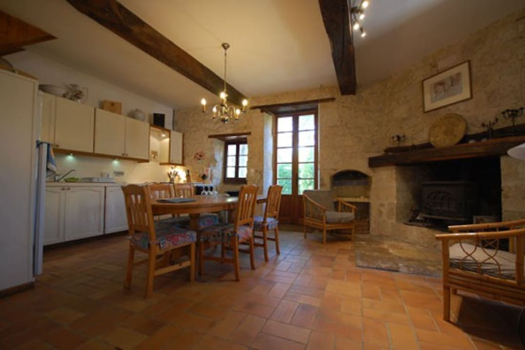 Kitchen diner with fireplace