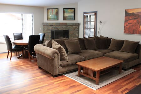 Home in University Heights - Flagstaff - House