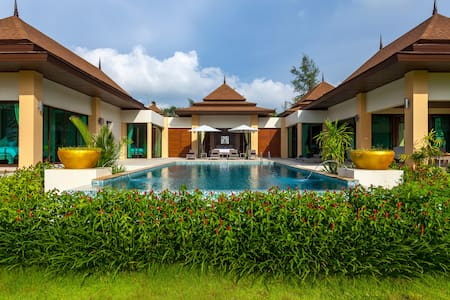 Beach front LUXURY POOL VILLA A1 - Takua Pa - Villa