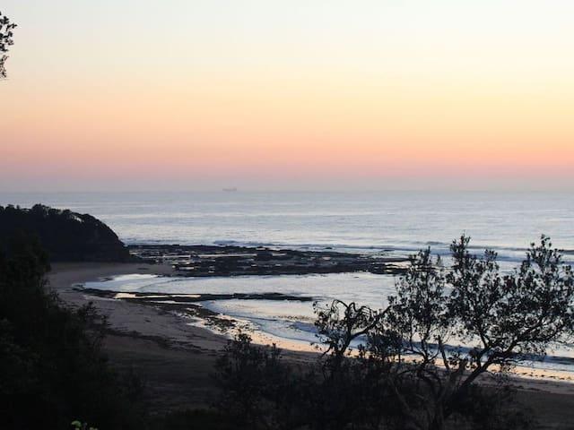 Bateau Bay Beach Location Shot