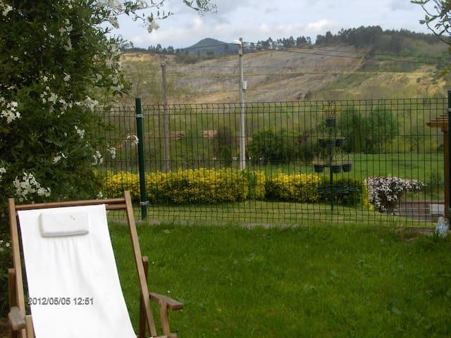 Cantabria-chalet adosado con jardin