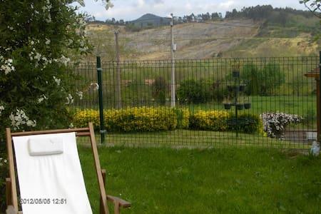Cantabria-chalet adosado con jardin - Cartes