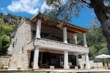 Casa de piedra mallorquina