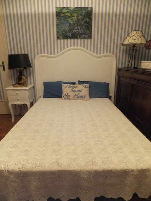 Chambre marine charme lit 120 houses for rent in saint for Chambre de charme france