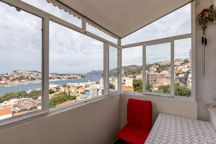 Apartment Puerto - Studio Apartment with Balcony and Sea View