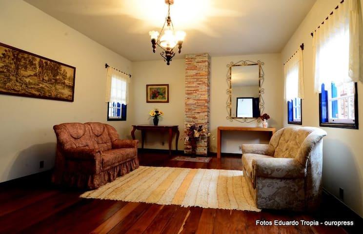 Casa de Hospedagem Dlourdes - Ouro Preto - Hus