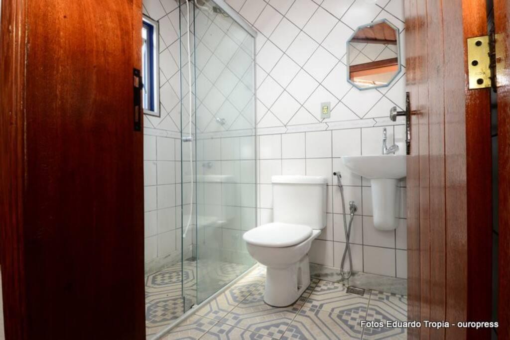 Banheiro quarto do sotão.