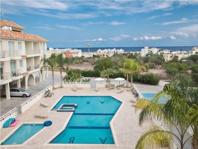 Apt.Sara, Modern 2BD with sea views - Pernera - Apartamento
