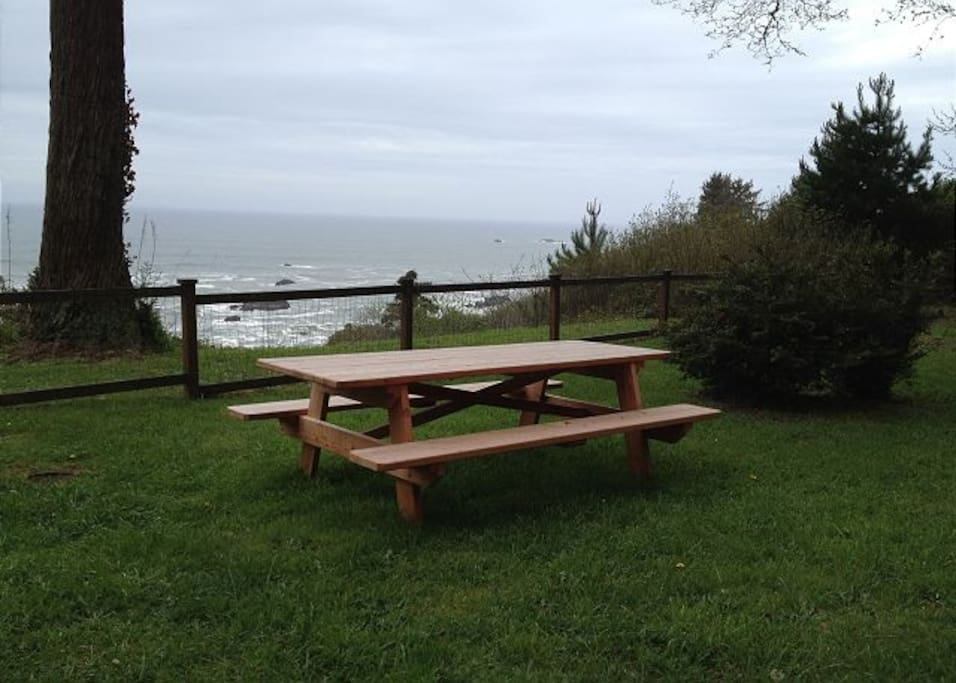 Relax after a great Hike in Patrick Points State Park (only a mile away!)