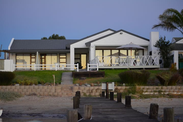 Rivertides 1 Self Catering Guest House