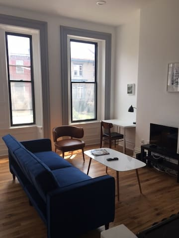 The Buvinger Building - Furnished Studio