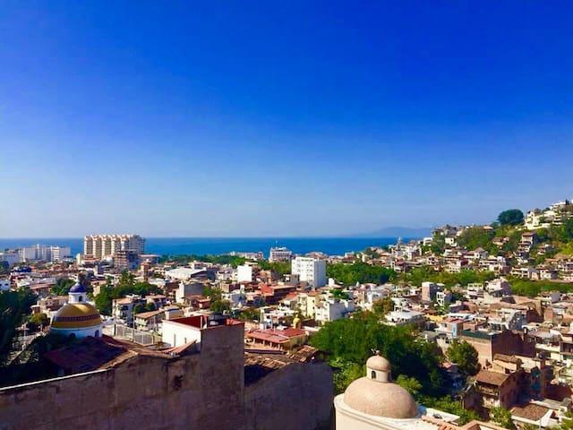 CASA JARDINITA Ocean View/Jacuzzi/Spacious