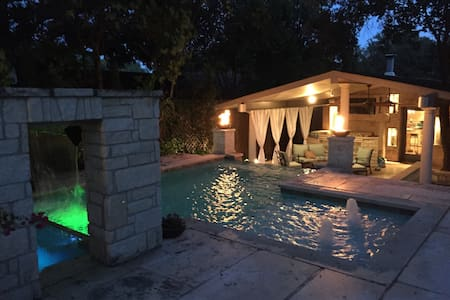 Luxury South Congress Home W/ Pool!