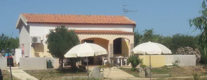 Villetta a 10 minuti dal mare - Campanedda 1