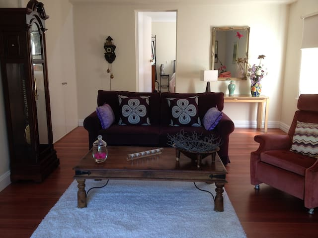 Lounge, TV room
