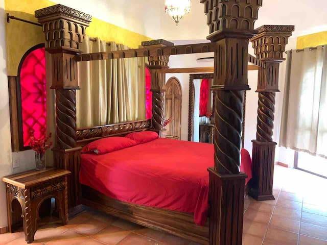 Habitación Rey Fernando  Cama King Size