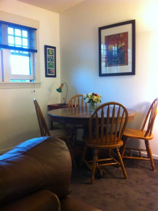 Huge Rockridge Sunlit Jr 1 Bedroom Apartments For Rent In Oakland California United States