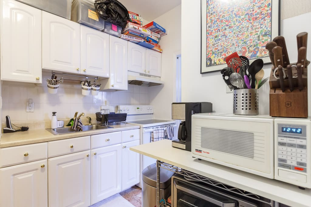 Nice cooking space and utensils