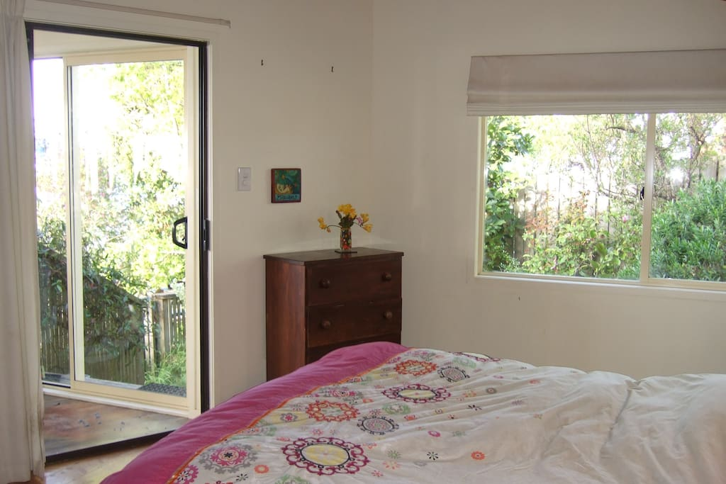 Master bedroom with seaview