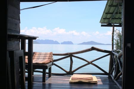 Seafront Suite Three - Old Town, Ko Lanta Yai