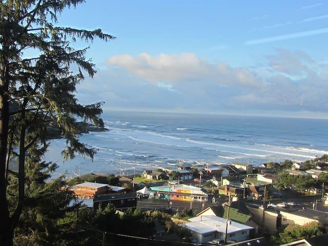 Callista's Ocean View B & B - Yachats