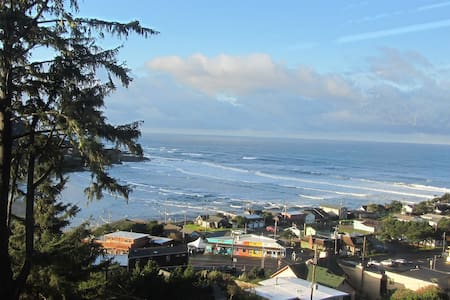 Callista's Ocean View B & B - Yachats - Bed & Breakfast