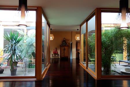 Grande Chambre Hanoi ds Grand Loft  Ptes de Paris
