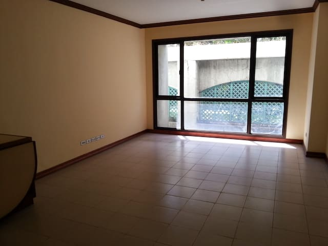 Relaxing 1 BR with Private Bathroom and Kitchen