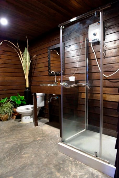 The hot water bathroom in Seafront Suite One