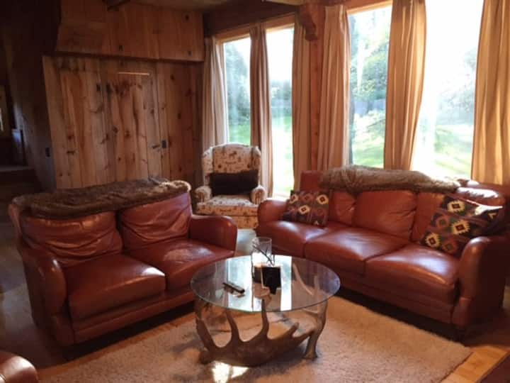 Cozy Ski Home 7 minutes from Stratton Ski Resort
