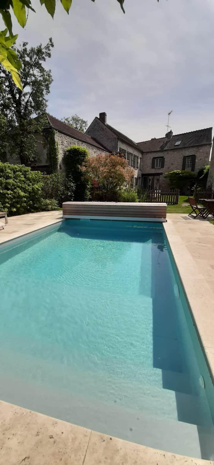 Maison de charme avec piscine à 45 min de Paris