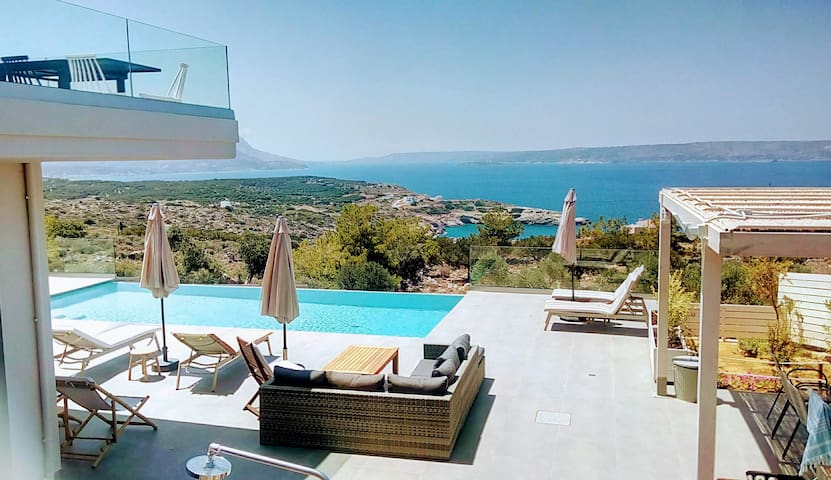 stunning sea views from private infinity pool
